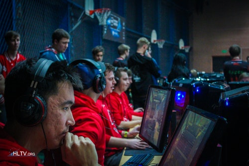 Team HellRaisers, AdreN up front