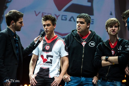 VeryGames with Ex6TenZ, RpK and NBK in the photo
