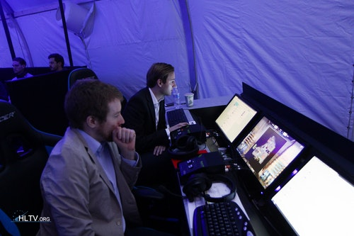 Thorin and Fifflaren at the analyst desk