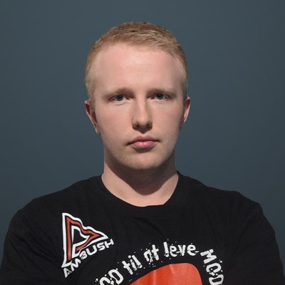 Image of CS:GO player holzt