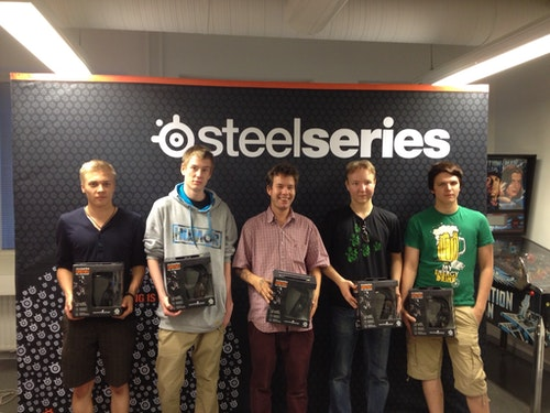 team allu (2nd place) with their prizes