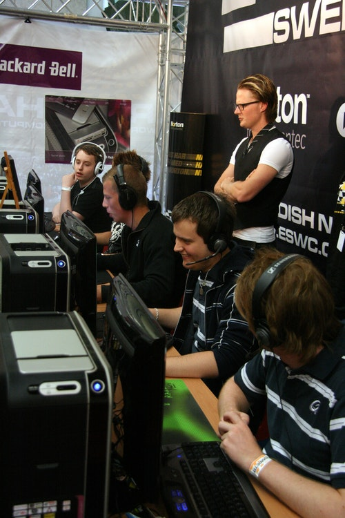 Blank playing ESWC qualification.