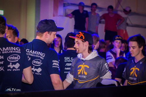 SK Gaming and fnatic saying GG