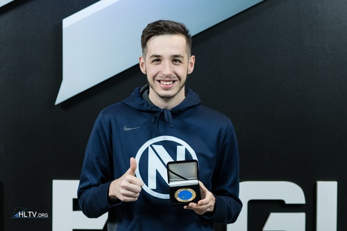 kennyS with his HLTV MVP medal for GEC 2016