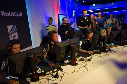 fnatic during their nail-biting first map against VeryGames
