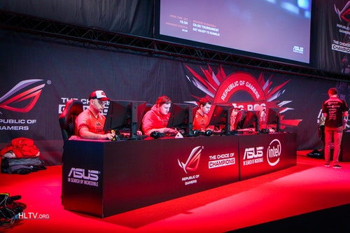 HellRaisers on the main stage