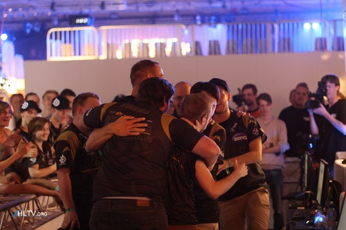 More of the NiP huddle