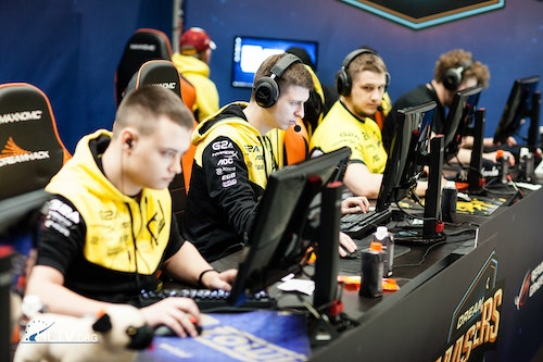 Na`Vi before their match with GODSENT