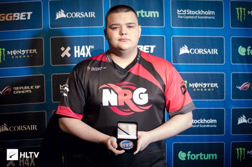 CeRq with his IEM Shanghai MVP medal