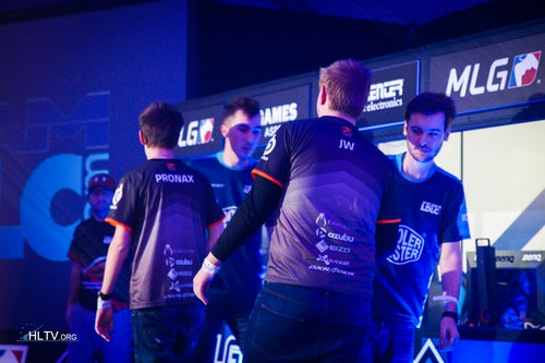 LDLC and fnatic shake hands