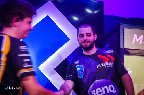 dupreeh and FalleN shake hands