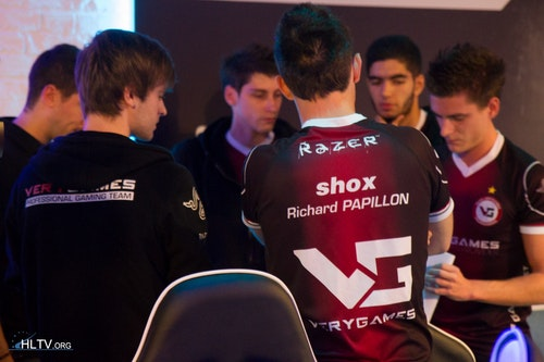 VG's huddle before the grand final