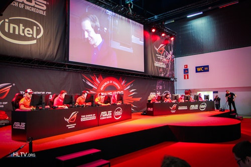 HellRaisers and PENTA on the main stage