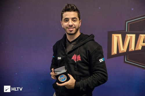 ISSAA finally received his MVP medal for DreamHack Open Tours