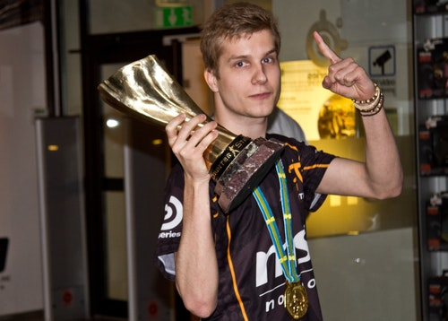 f0rest with the gold trophy