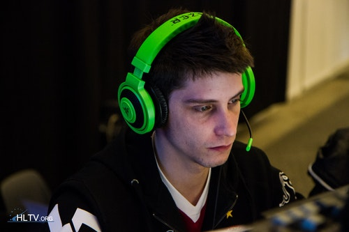SmithZz from VeryGames looking tired